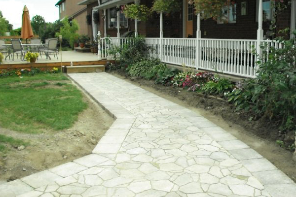 Down To Earth Landscaping - Driveways & Walkways